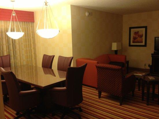 Renaissance Charlotte Suites Hotel: Renaissance Charlotte - Executive Suite