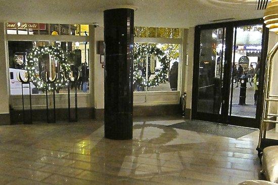 Radisson Blu Edwardian Mercer Street Hotel: Lobby