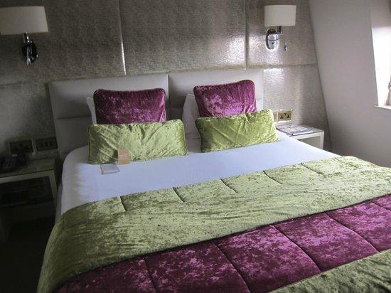 Radisson Blu Edwardian Mercer Street Hotel: our room