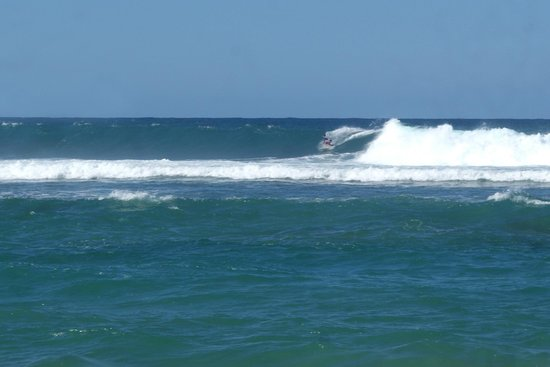Fusion Beach Villas : Good day for Surf!