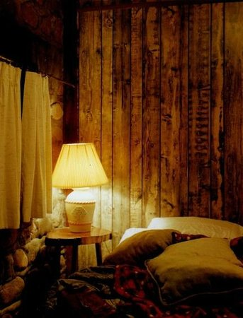 The Lariat Motel: Room 9