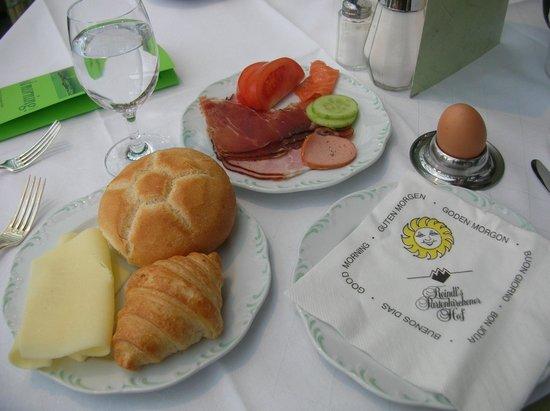 Reindl's Partenkirchner Hof: 朝食、他にもいろいろありますが。私の好みのものだけ