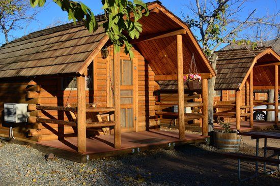 Lake Isabella / Kern River KOA : Cabin at the KOA, cosy place to stay