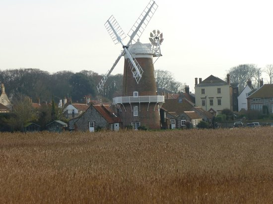 Blakeney Manor Hotel: Windmill at Cley next village to Blakeney