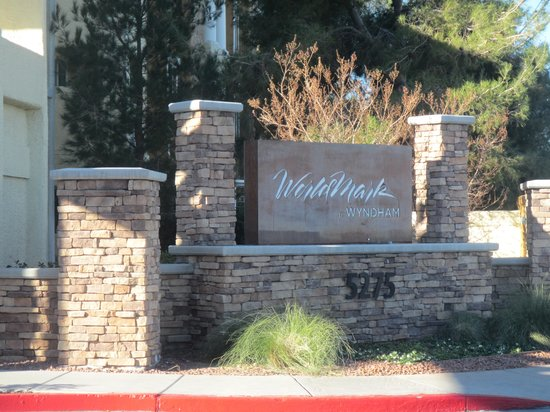 WorldMark Las Vegas - Tropicana Avenue : The entrance sign