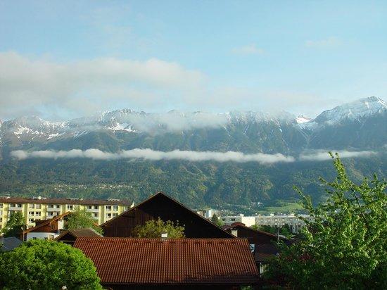 Charlotte : Утренний вид на Альпы_1