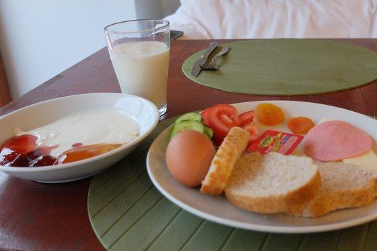 Agora Guesthouse: 朝食、他にも色々選べます