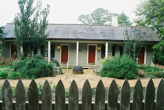 Cottages at the Rip Van Winkle Gardens: Servant's Quarters exterior