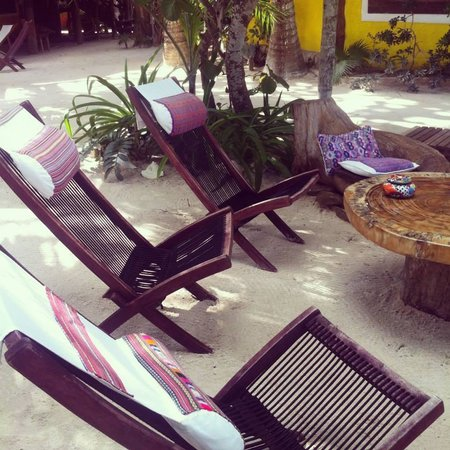 Holbox Hotel Mawimbi : One of the many sitting areas on the grounds