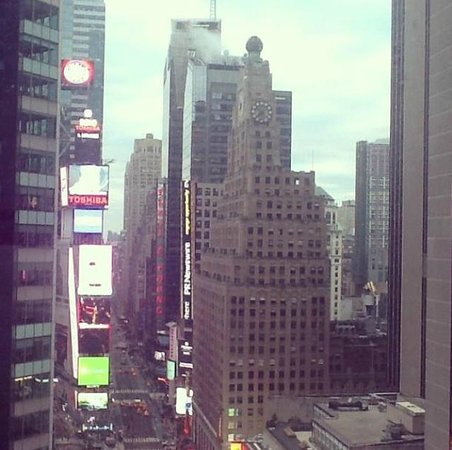 DoubleTree Suites by Hilton Hotel New York City - Times Square : номер