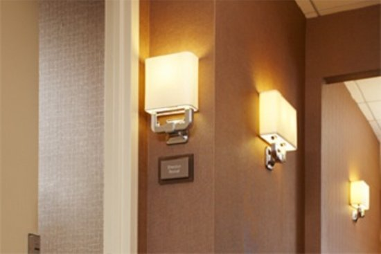 Sheraton Lisle Hotel: Guestroom