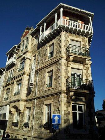 Hotel Alcyon : Notre chambre, tout en haut!