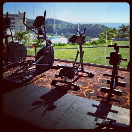 Secrets Huatulco Resort & Spa: Gym