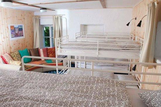 Mo Hostel