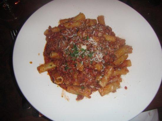 Nove : Rigatoni Bolognese awful looks nice tastes terrible do not eat.