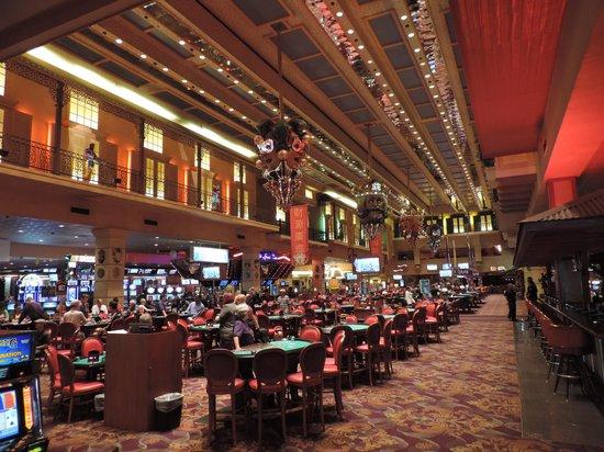 The Orleans Hotel & Casino : The main casino floor