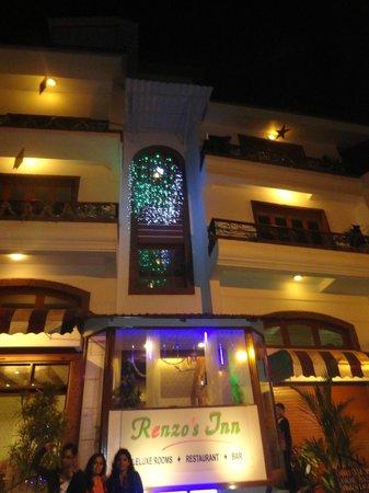 Renzo's Inn : The Hotel