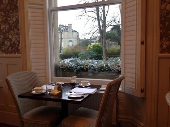 The Roseate Villa Bath : Breakfast table