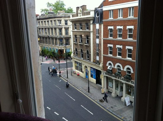 Radisson Blu Edwardian Bloomsbury Street: View from room