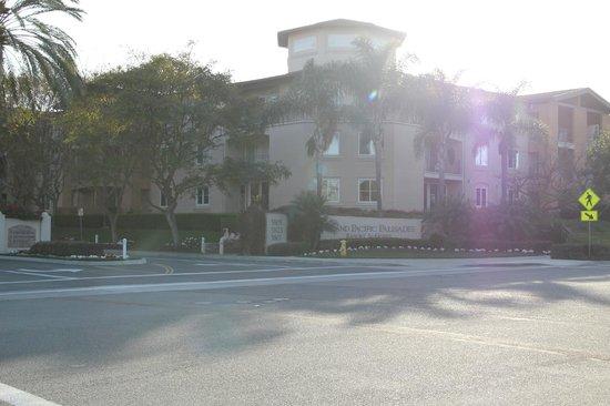 Grand Pacific Palisades Resort and Hotel: Entrada