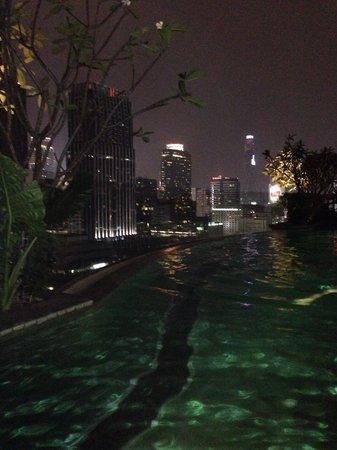 Hotel Muse Bangkok Langsuan - MGallery Collection: Muse hotel at night