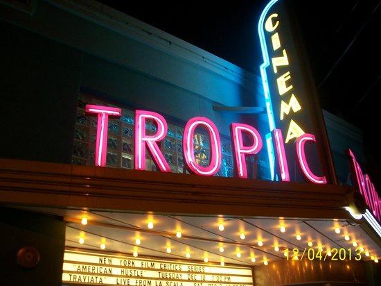Tropic Cinema : Movie time!