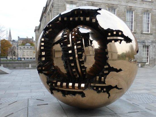 Trinity College: Campus Sculpture