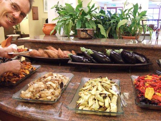 Pastoral Hotel - Kfar Blum: ....more food