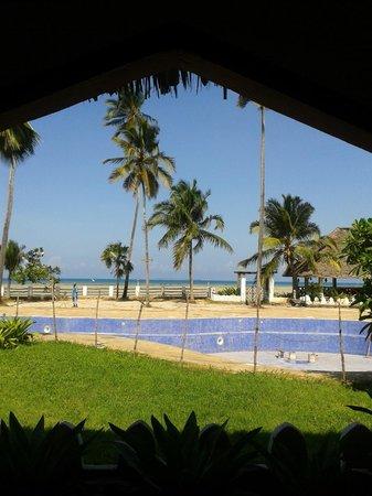 Zanzibar Beach Resort: VIEW FROM RESORT