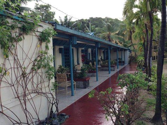 Island Beachcomber Hotel : Beachfront rooms