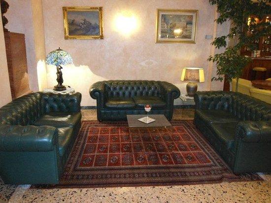 Rechigi Park Hotel : hall