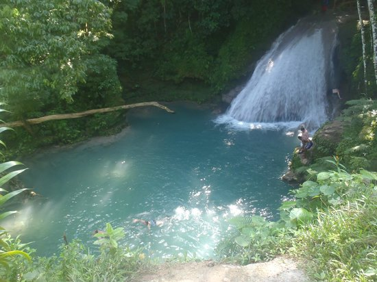 Peat Taylor Tours : Irie Blue Hole