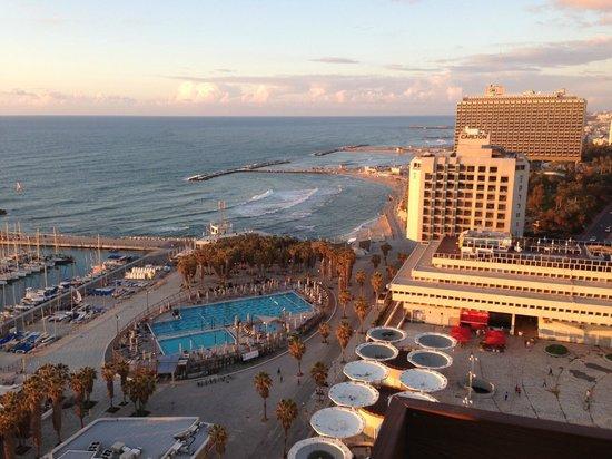 Herods Tel Aviv : view of marina from north facing room