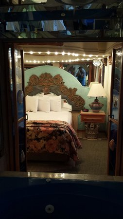 Americas Best Value Inn - Posada El Rey Sol: Bedroom