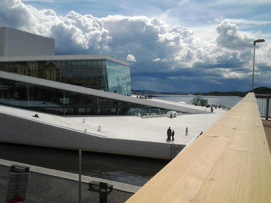 The Norwegian National Opera & Ballet: Небо, море - это все тоже часть театрального действа