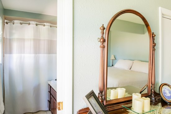 Timmermann House Bed and Breakfast: Private Bath
