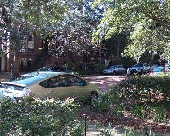 Savannah Historic District: Mrs. Wilkes Boarding House