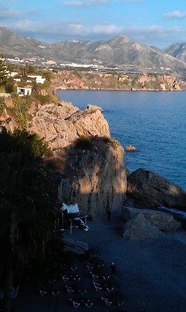 Casa Charlotte : View of beach from Balcon de Europa