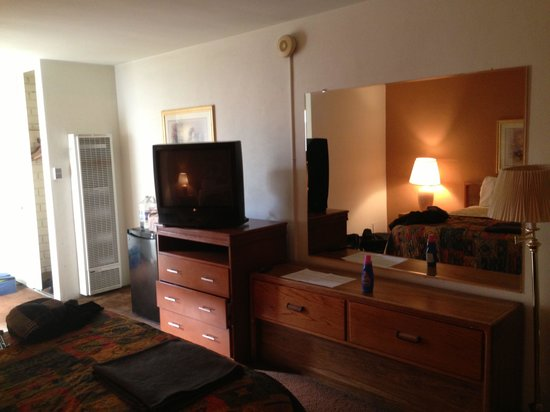 Dunes Inn - Wilshire: The room front.
