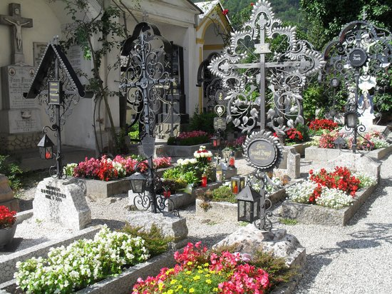 Traunkirchen, Austria: Graves planted with flowers