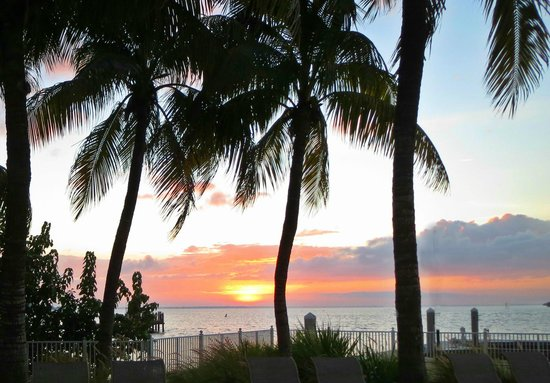 Sanibel Harbour Marriott Resort & Spa: over at the small pool by Captiva Towers