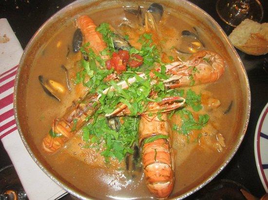 Chez Mattin: Le fameux ttoro ; un plat copieux et goûteux