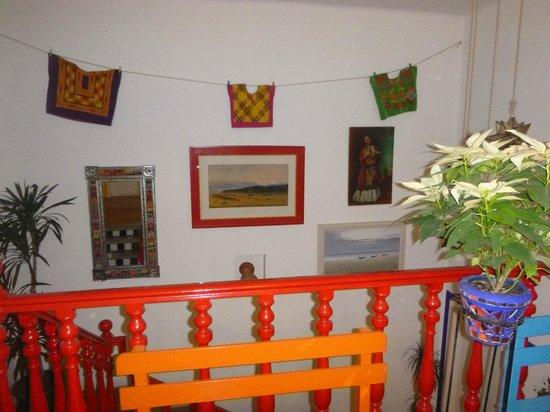 Hostal B&B Dos Fridas y Diego: Zona de Escaleras