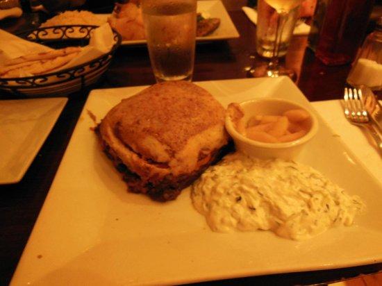 Dafni Greek Taverna: Yum, yum