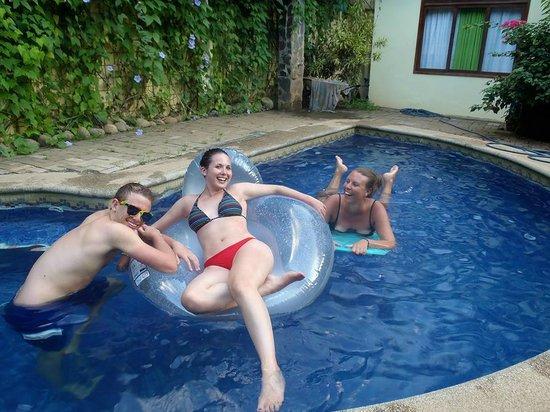 Tamarindo Backpackers : lazy days