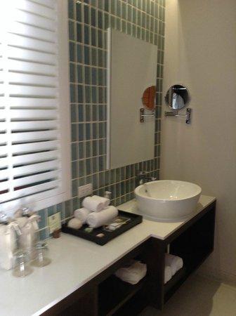 Buri Rasa Koh Phangan: Geschmackvolles Badezimmer mit Dusche