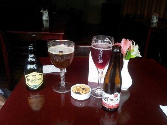 ViaVia Hotel Valparaiso: Cervezas Belgas en Viavia Café
