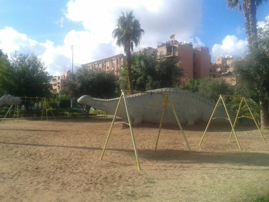 Something to look at picture of jardin el harti for Jardin kennedy
