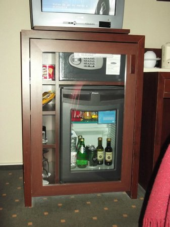 NH Budapest City: Mini bar