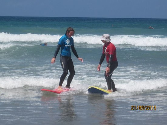 Lava Flow Surf Lanzarote: Instructor Phil teaching